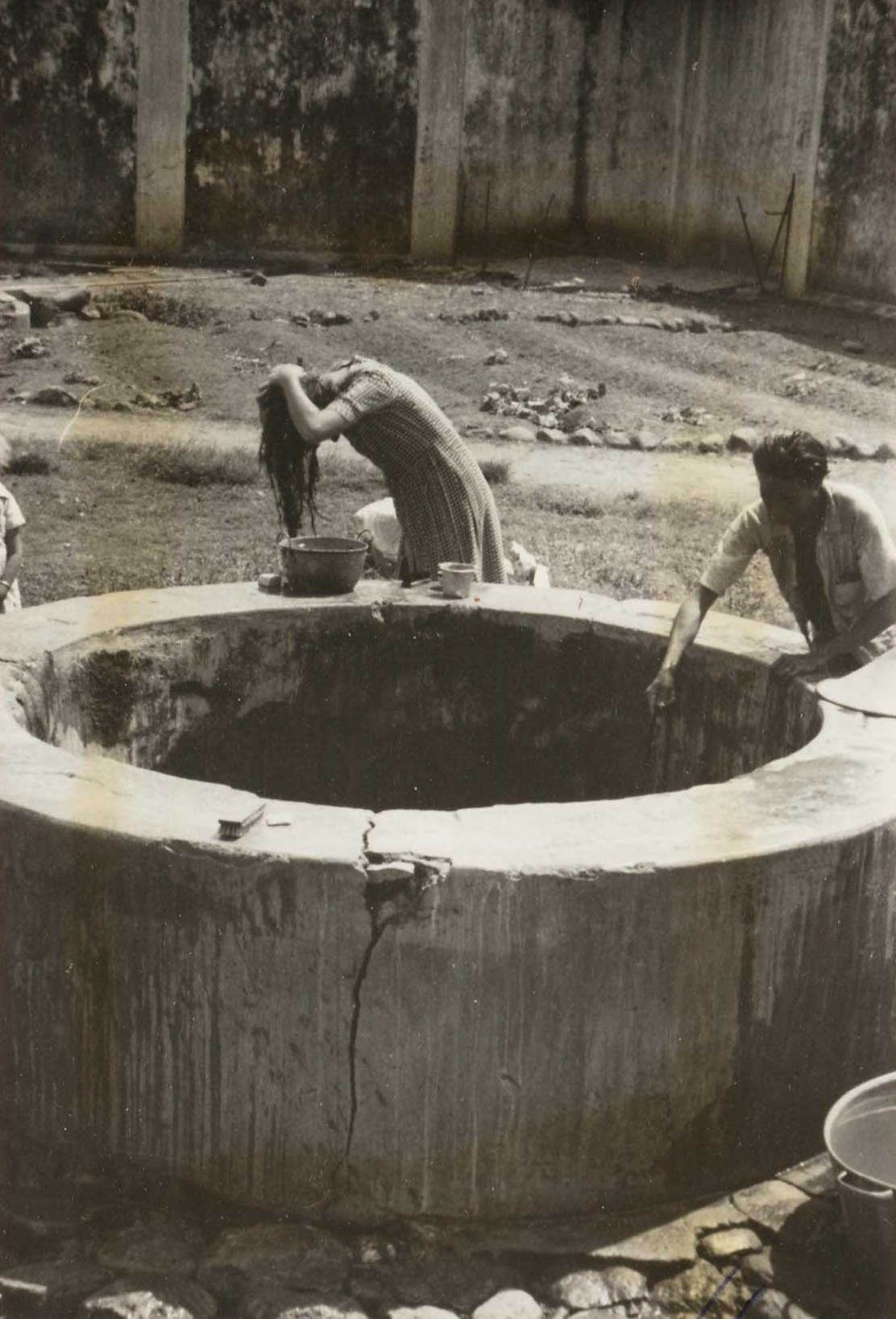 Dutch Indonesia Concentration camp with woman bathing